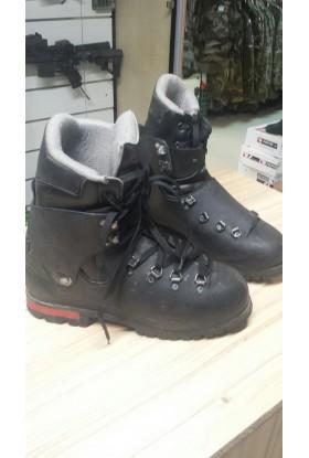 chaussures de montagne Koflach usagées bon état