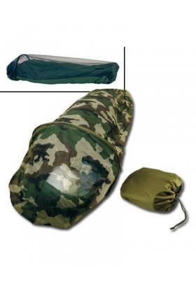 Sur sac de couchage avec moustiquaire